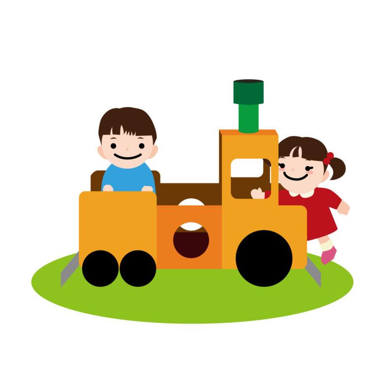 電車の遊具で遊ぶ子供たち
